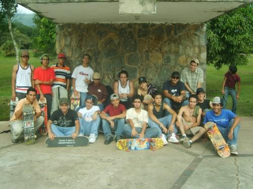 Algunos miembros de PuroSKATE en el 2007